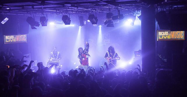 Naive New Beaters sur la tournée Ricard S.A Live Session